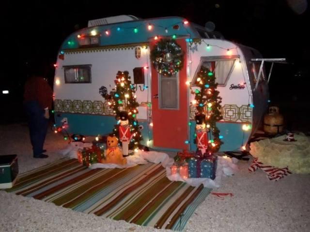 deck the camper541580_819224931467545_6303184110843811272_n